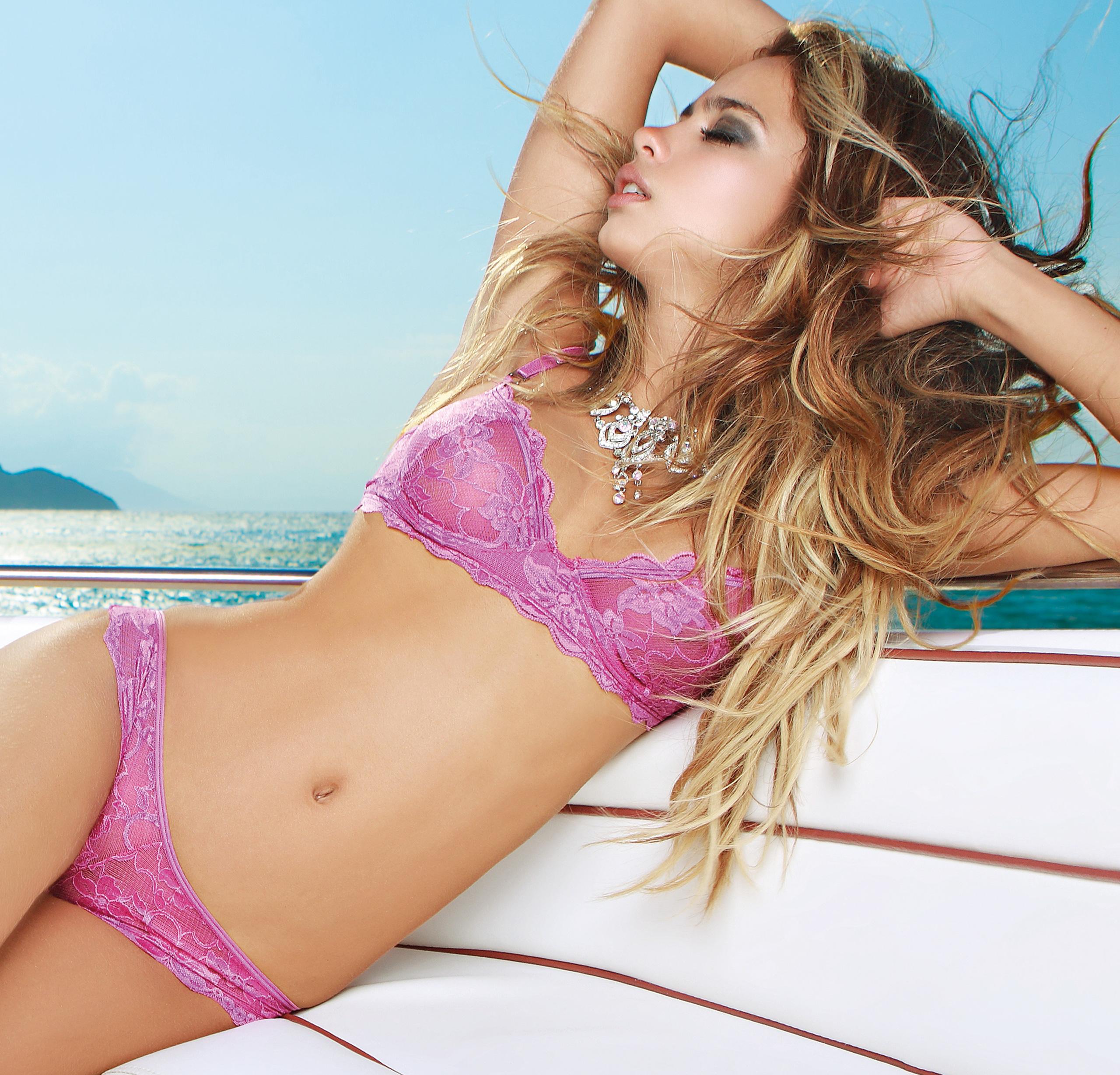 Catalina Otalvaro in Maia Underwear photoshoot (Spring-Summer 2014). Каталина Отальваро в фотосессии Maia lingerie -коллекция Весна-Лето 2014.