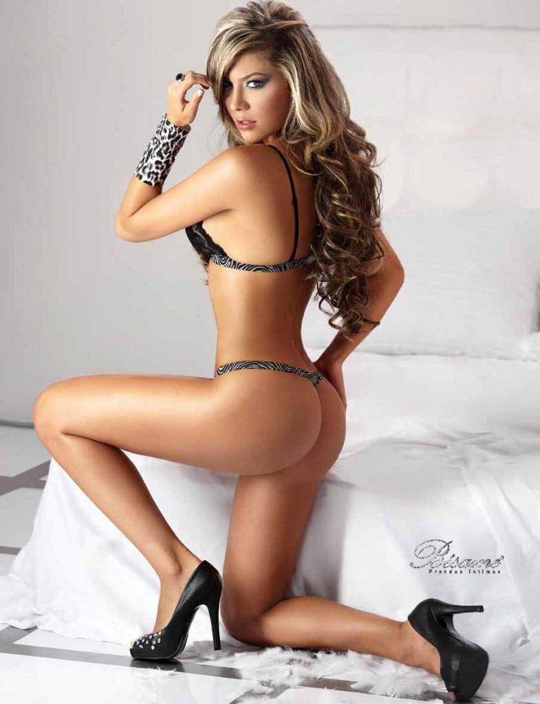 Daniela Tamayo,Даниэла Тамайо,Besame Lingerie,Besame,lingerie,Prendas Intimas,Inverno 2011,Inverno,2011,нижнее белье,женское,коллекция,модель,видео,фото,video,photo,model,бренд,