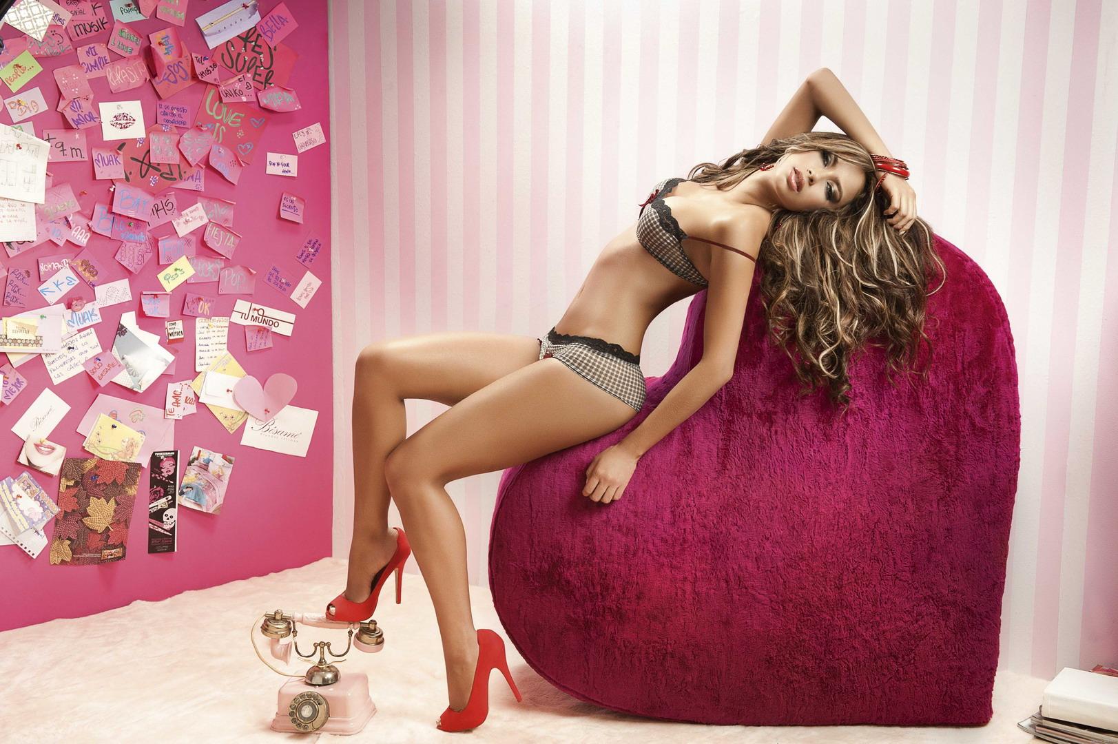Making of Besame lingerie photoshoot with Catalina Otalvaro. Создание откровенной фотосессии Каталины Отальваро для нижнего белья Besame Lingerie